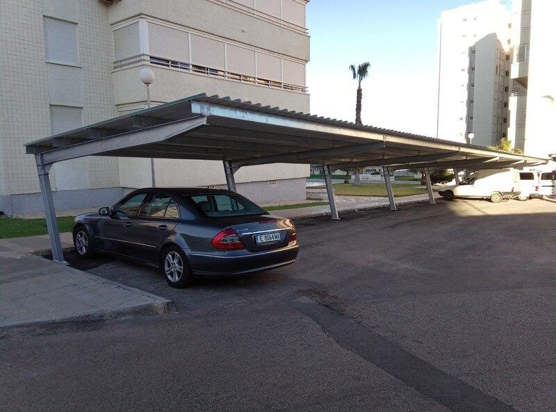 Marquesinas para coches en una comunidad de propietarios for Techados para coches