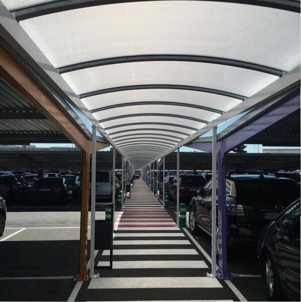 pasillo peatonal para el aeropuerto de madrid-barajas